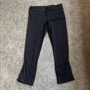 Lululemon Cropped Leggings with back pocket
